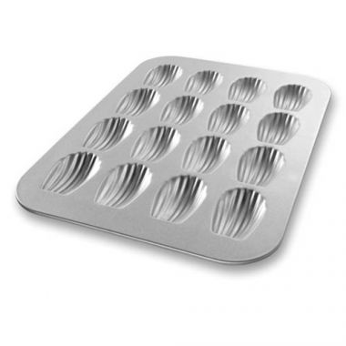 Bundy Chicago Metallic® Bundy Professional Bakeware Madeleine Pan - RFS172/25400