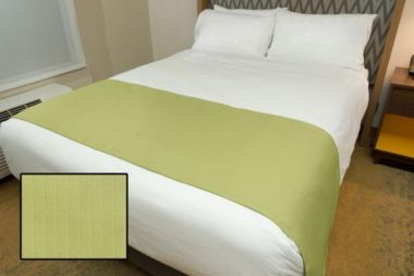 Linen Plus Hospitality Milan Square Bed Runners Thyme
